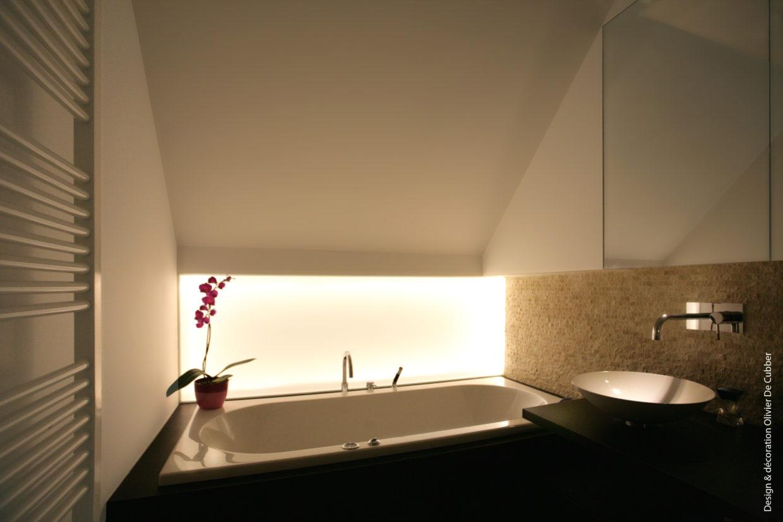 Rénovation complète de deux salles de bain à Braine-l'Alleud, meubles sur-mesures, douche à l'italienne, Dacryl - Architecture d'intérieur Odyssée Studio